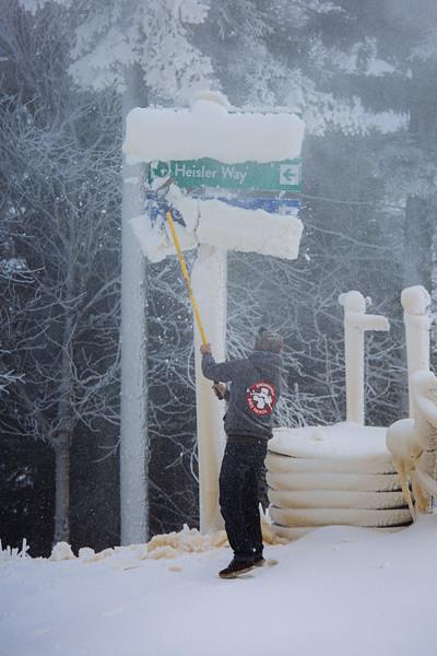 Snowmaking 1920-3305.jpg