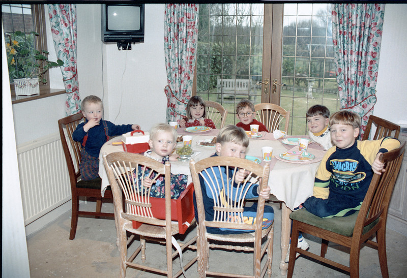 Charlottes 2nd birthday002-01019-01.jpg