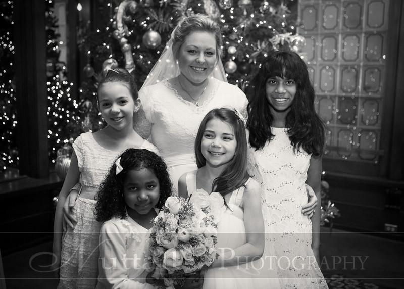 Lester Wedding 164bw.jpg