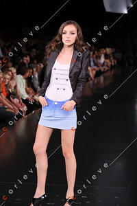 2008 L'Oreal Fashion Festival - Paris Runway 6
