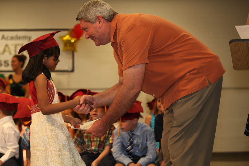 2012May18_MTA Kinder Grad_9709.JPG