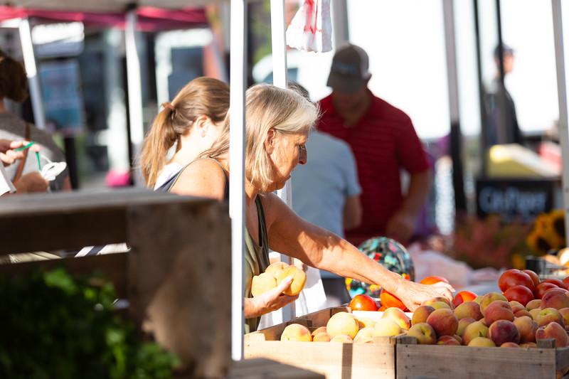 Del Ray Farmers Market 061.jpg