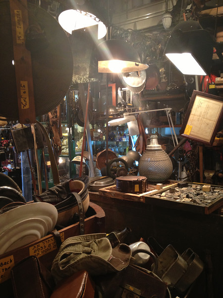 Jaffa shop and light.JPG