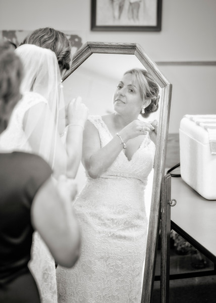 Bride in mirror b&w.jpg