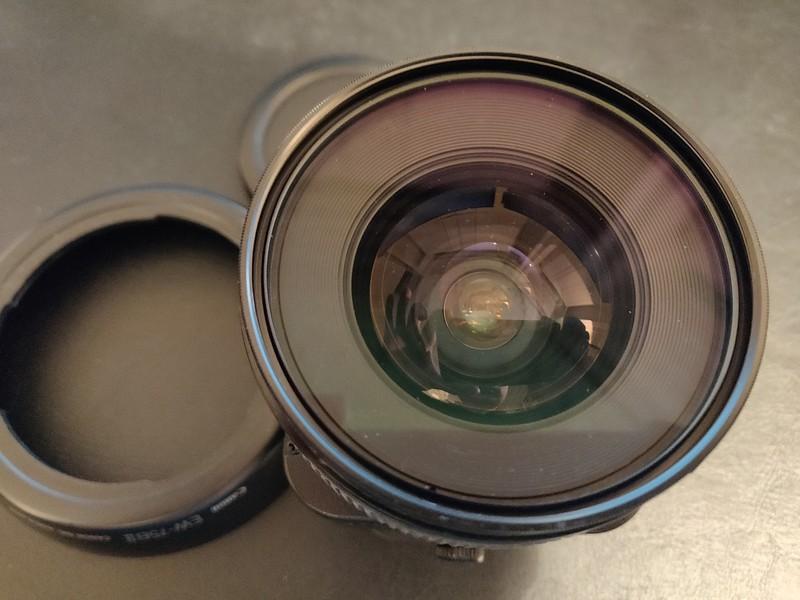 Canon TS-E 24mm 3.5 L - Serial UX0205 006.jpg