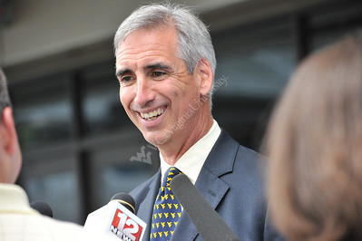 26913 Oliver Luck Ceremony