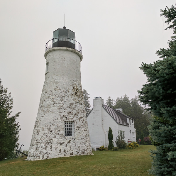 Old Presque Isle Light