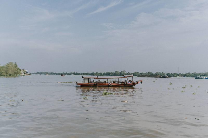 Tu Nguyen Wedding Mekong River Elopement Can Tho  - Southern Vietnam 32.jpg