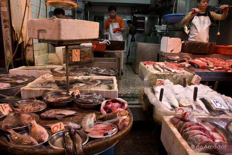 aeamador©-HK08_DSC0002     Saukiwan market. Saukiwan, Hong Kong island.