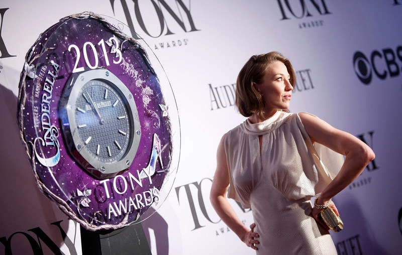 ". Actress Carrie Coon, nominated for best performance by an actress in a featured role in a play for ""Who\'s Afraid of Virginia Woolf?\"" arrives to the American Theatre Wing\'s annual Tony Awards in New York June 9, 2013. REUTERS/Carlo Allegri"