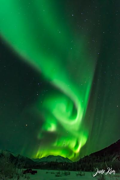 Nov20_Knik River Aurora__6105164-Edit-2-Juno Kim.jpg