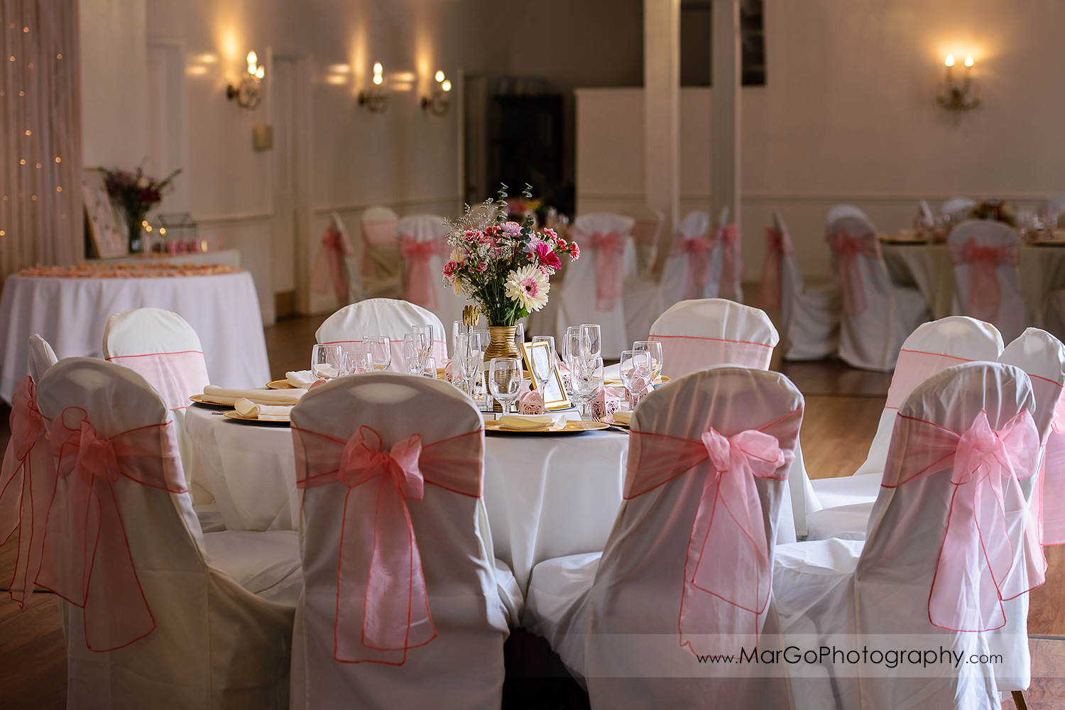 pink wedding reception table decor at Fremont Century House & Gardens