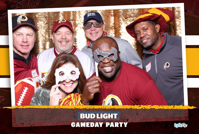 washington-redskins-philadelphia-eagles-football-bud-light-photobooth-20181203-201503.jpg