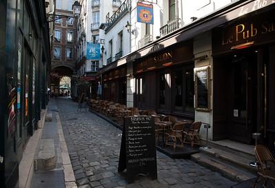 Paris, Sunday Morning: Street Markets, Musée d'Orsay, Le Louvre