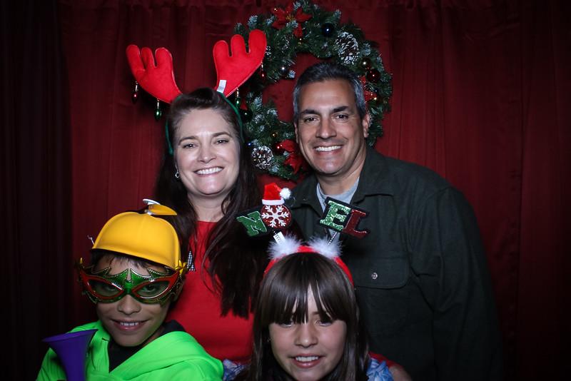 Good Shepard Lutheran School Christmas Boutique 2014-203.jpg