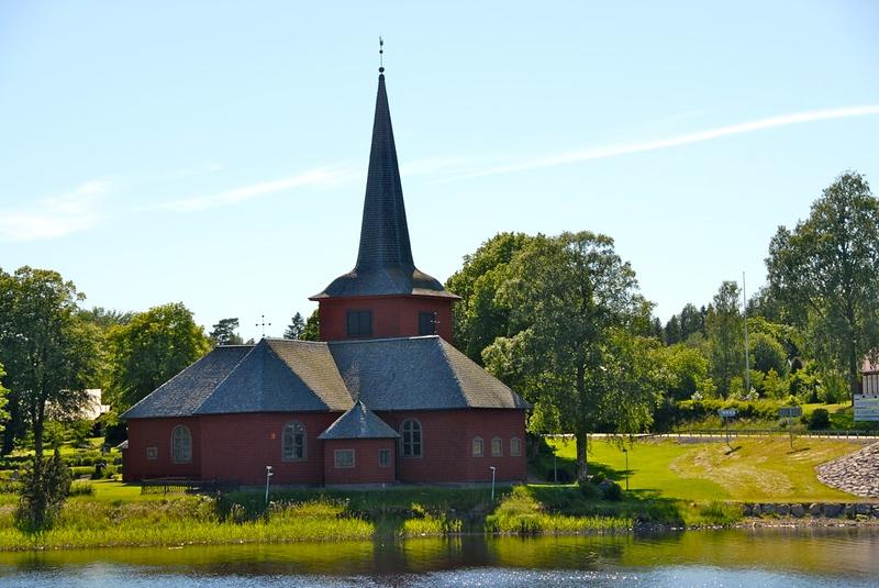 Lungsunds kyrka, Bergslags kanalen