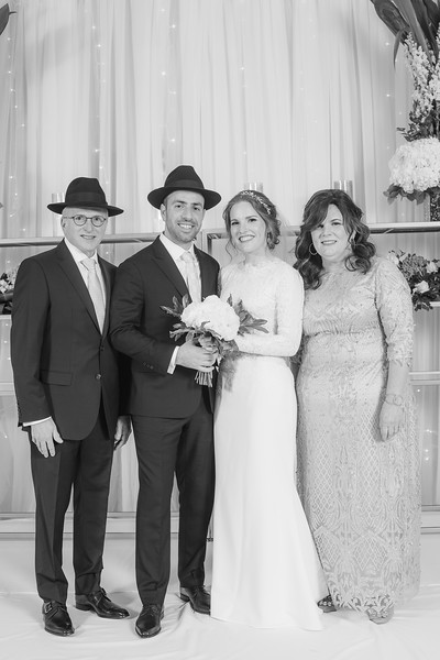 Miri_Chayim_Wedding_BW-650.jpg
