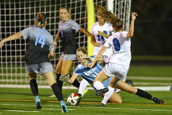 20181008 Varsity Girls Soccer Churchill at Whitman