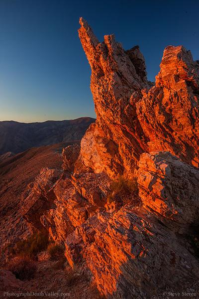 Death_Valley_Aguereberry_Point_Sunrise_Panamints_Vertical.jpg