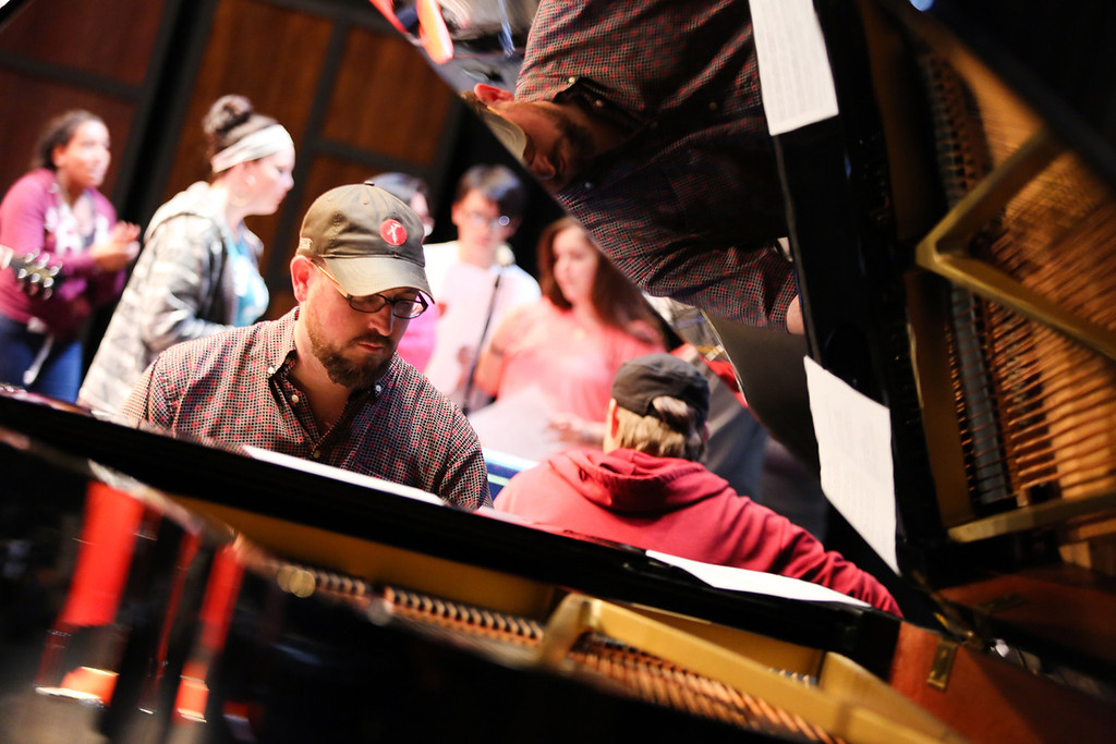 ". �Songwriting Made Simple,� featuring Jonathan Kingham, back to the camera, and Ryan Shea Smith, facing the camera, on May 19 returns to the Stocker Arts Center Cirigliano Studio Theatre at Lorain County Community College. For more information, call 440-366-4040 or visit <a href=""http://www.StockerArtsCenter.com\"">www.StockerArtsCenter.com</a>.  (Submitted)"
