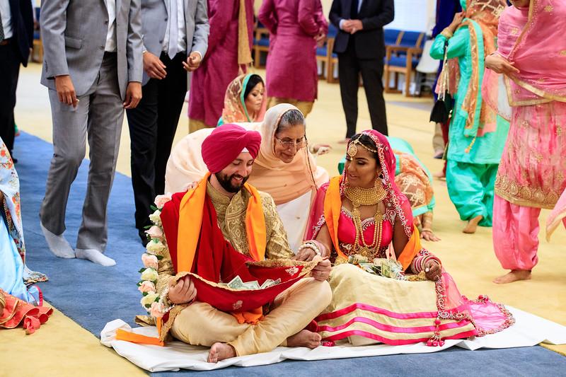 Neelam_and_Matt_Gurdwara_Wedding-1517.jpg