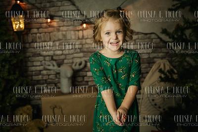Pierce Children-Christmas Mini