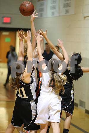 2017 Girls Basketball action