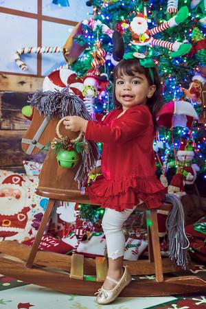 28. Patricia y Familia Navidad 2019