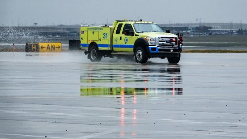 050321_airfield_emergency_vehicle-052.jpg