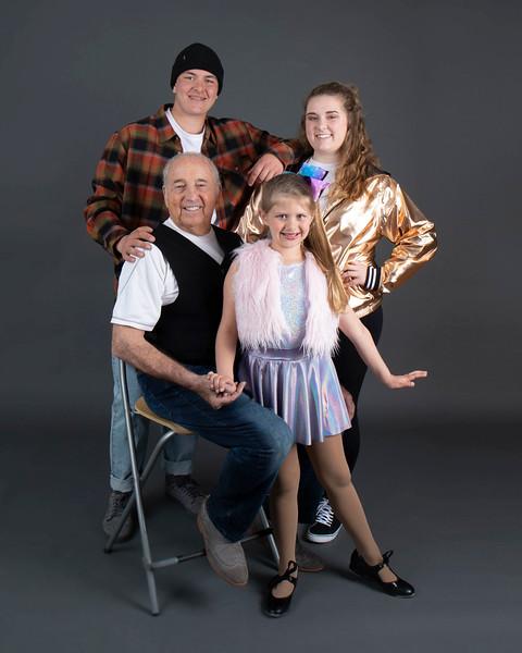 Mon_Henson Family-.jpg