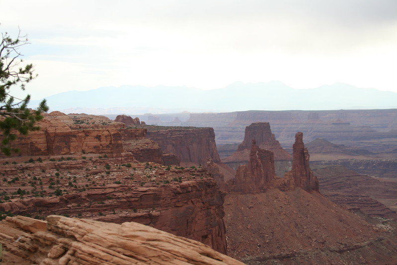 20080909-062 - Canyonlands NP Island in the Sky - 27 Washer Woman Arch.JPG
