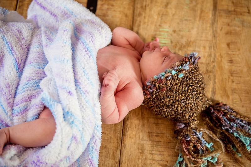 Erica-Agostinelli-newborn-_7507932.jpg