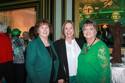 Christ Child Society Hosts Auction Luncheon