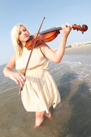 8-6-11 Violinist Amanda Mae Making Waves in St. Simons Island, GA