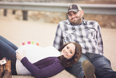 Jonathan & Kayla Maternity