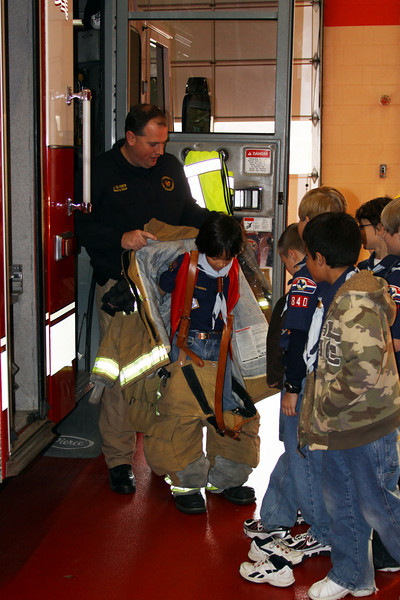 091203_Scouts_FireStation_0042.JPG