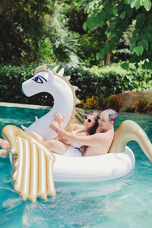 Frank & Julia Pool Party _ TOP PHOTOS