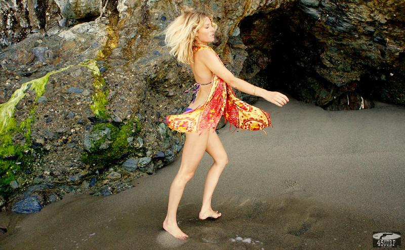 45surf bikini hot pretty swimsuit model hot pretty swimsuit biki 191.,,.kl,..jpg