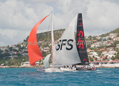 RACE BOATS - Race Day 1 Shot from Island Way