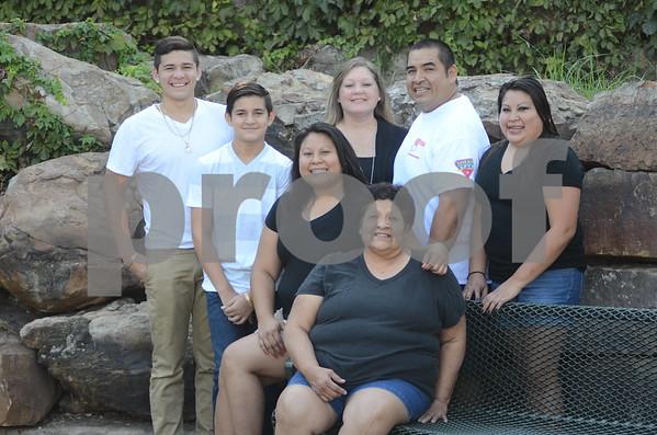Dani Shaundae  Jeremey Family Session