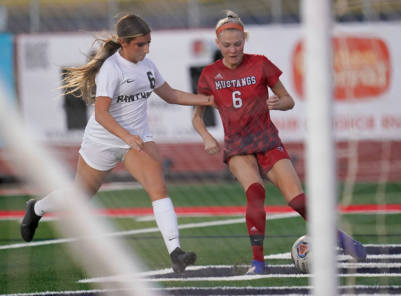 CCHS-vsoccer-pineview2723.jpg