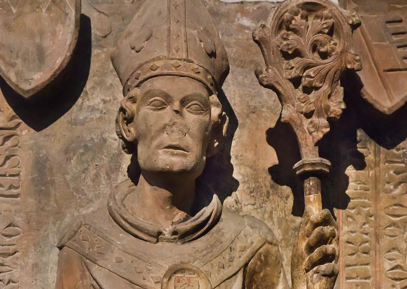 Würzburg. Dom: Grab Bischof Otto v. Wolfskehl, Kopf
