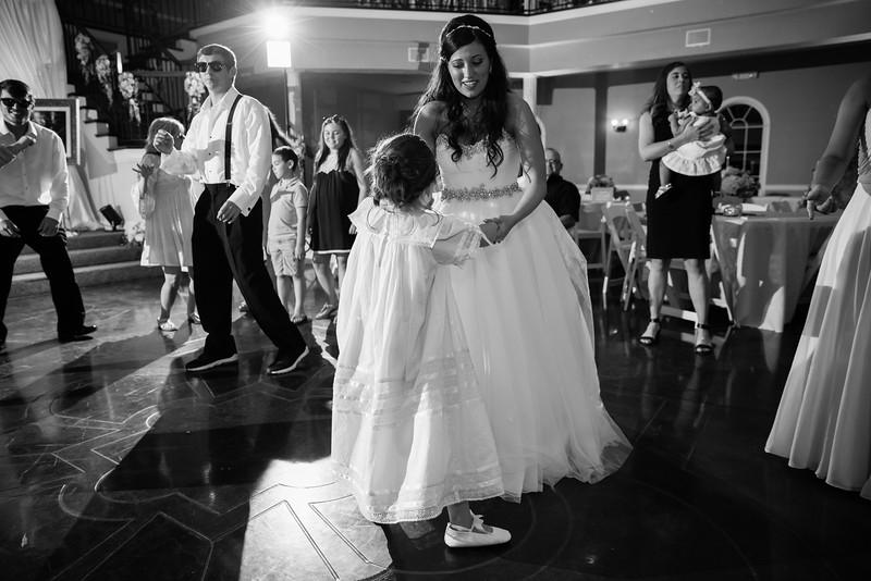 1155_Josh+Lindsey_WeddingBW.jpg