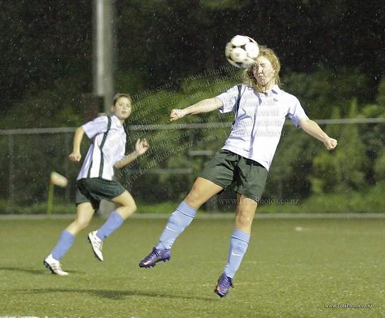 jm20120822 Wgtn Prem 1 girls football final _MG_9251 b
