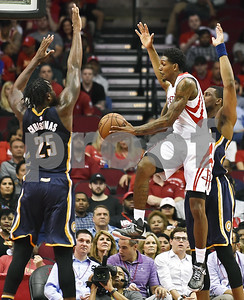pacers-rally-by-rockets
