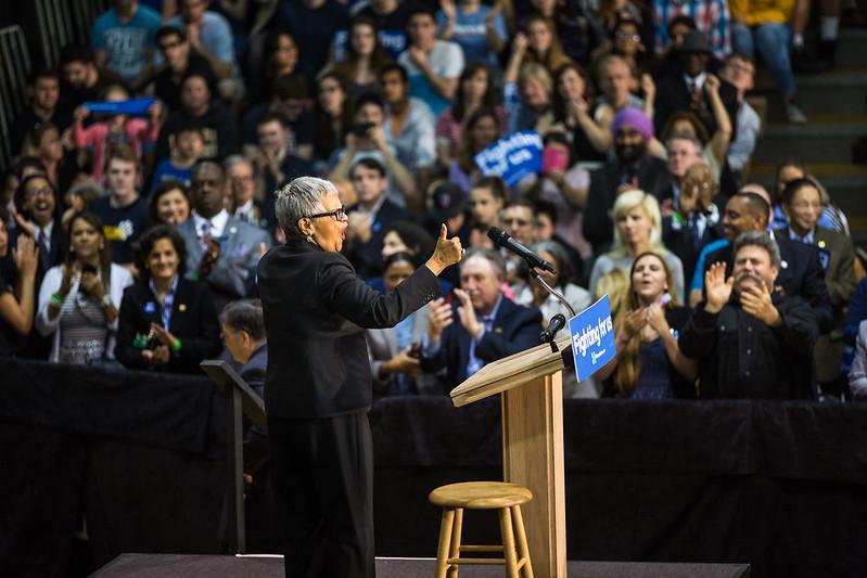 President Bill Clinton @ TCNJ 5-13-2016-3.jpg