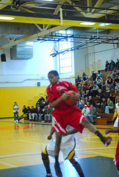 20090301_MCC Basketball_5564.JPG