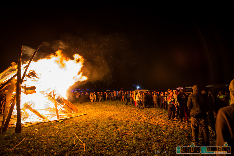 Burning-Mountain 2015, pic by http://www.mysticalpics.ch