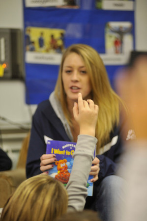 27232 WVU athletes read aloud to children at Suncrest Primary School