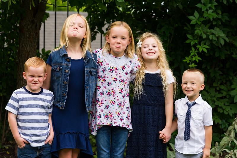 AG_2018_07_Bertele Family Portraits__D3S4111-2.jpg